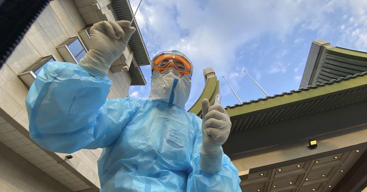 В Китае начали тестировать на COVID-19 с помощью анальных мазков