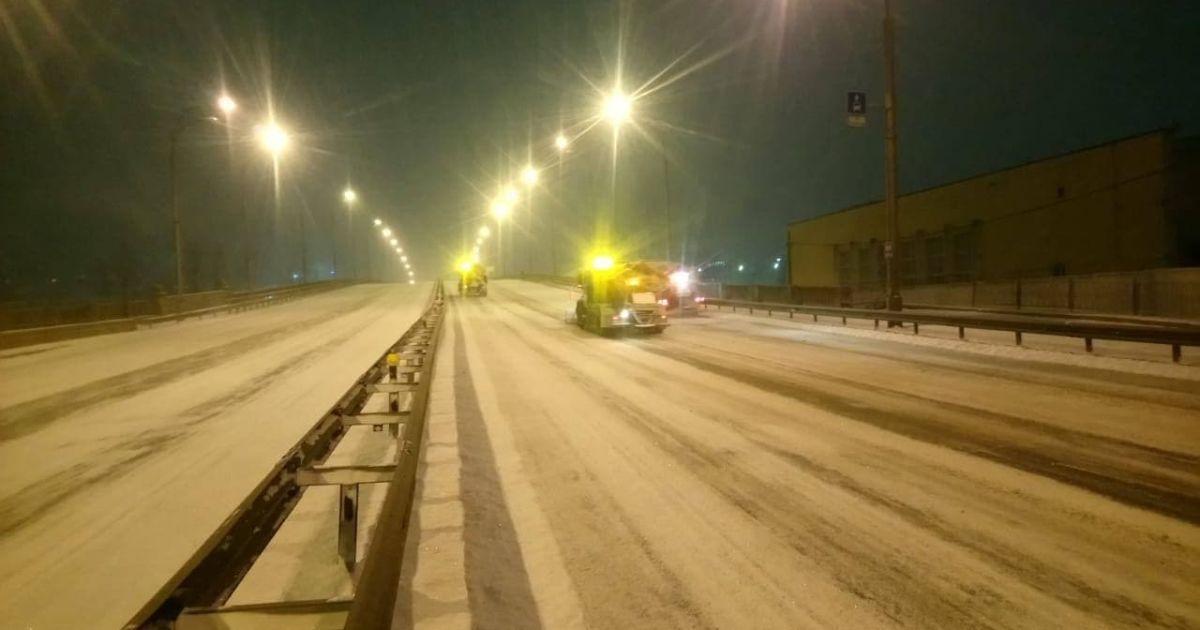 Снігта дощ, порививітру та ожеледиця: яка погода чекає водіїв на українських дорогах 10 лютого