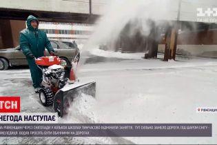 Новини України: до країни повернулася справжня зима зі снігопадами та ожеледицею