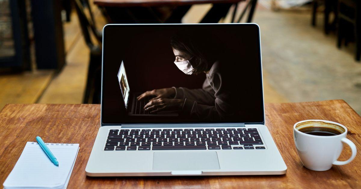 В Японии на коронавирус будут проверять ручки дверей, клавиатуры и мониторы компьютеров