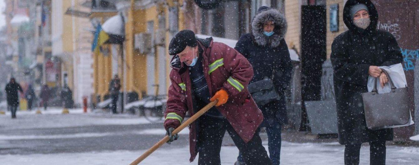 Украина в снежном плену: какие аэропорты до сих пор не работают и где на дорогах ограничено движение