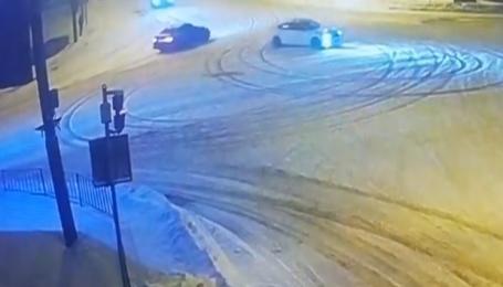 Во Львове водитель-дрифтер, который едва не сбил пешеходов, может лишиться прав