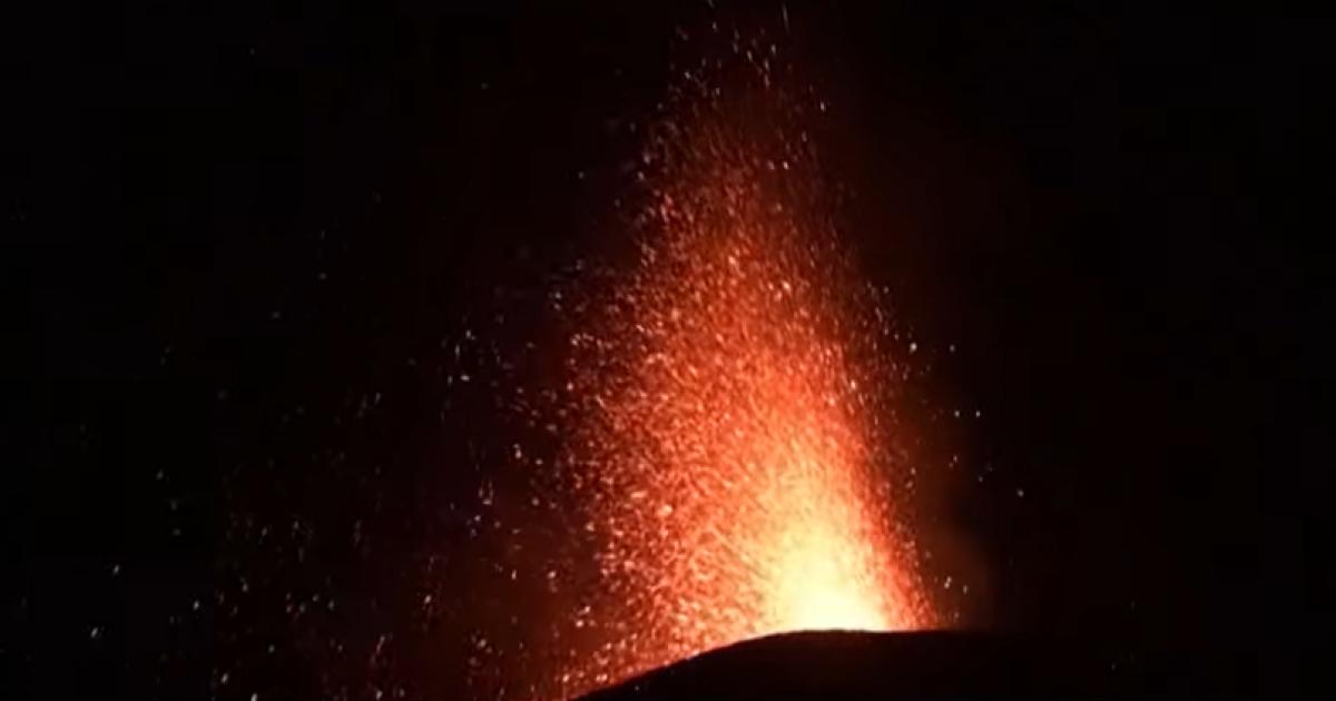 У Гватемалі вулкан викидає стовпи попелу на три кілометри (відео)