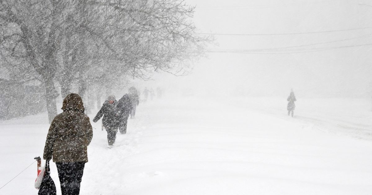 Сніговий полон: мер Івано-Франківська розповів, які дороги заблоковані