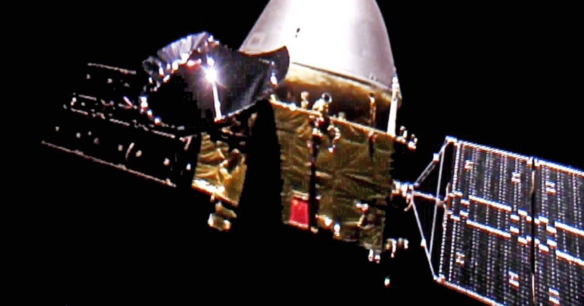 """Вслед за ОАЭ: Китайский зонд """"Тяньвень-1"""" успешно вышел на орбиту Марса"""