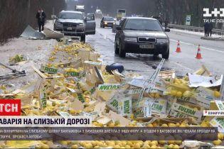 ДТП в Украине: в Винницкой области столкнулись 4 грузовика и бус