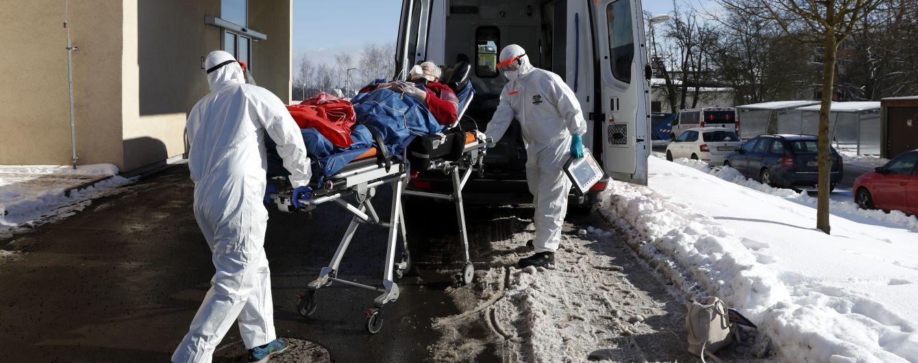 У ВООЗ заявили про повторні інфікування людей новими штамами коронавірусу