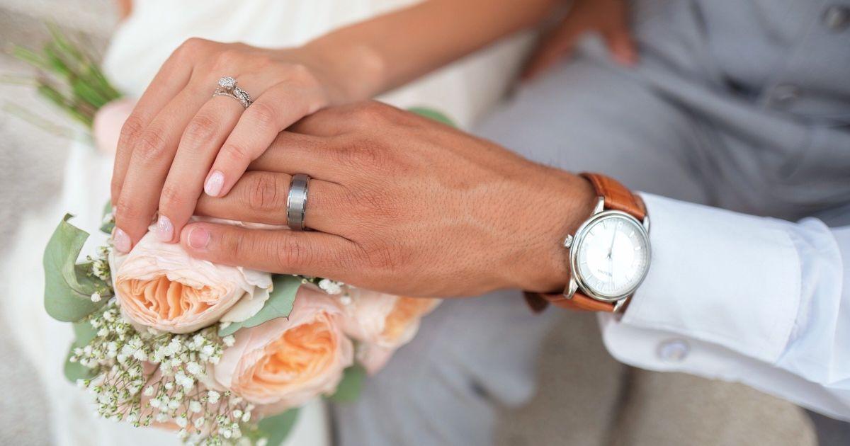 Локдаун в Киеве: в столице увеличилось количество браков и уменьшилось — разводов
