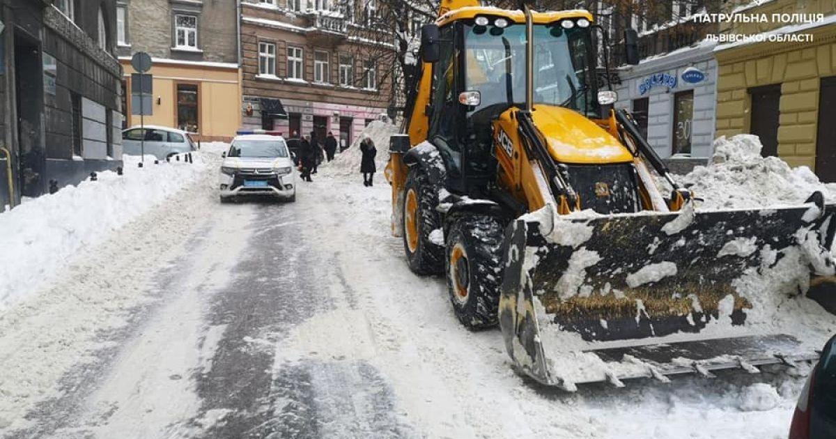 Захід України потерпає від негоди: через заметілі та морози загинуло дві людини