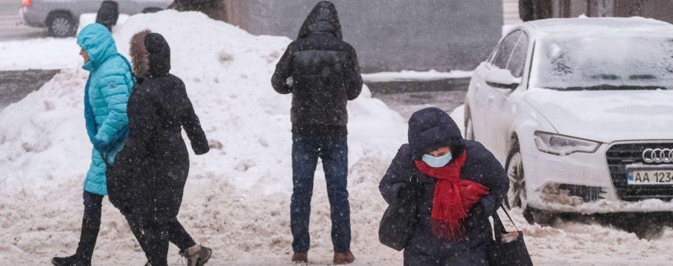 Украина в плену рекордных снегопадов: в каких областях до сих пор ограничено движение, а где нет света