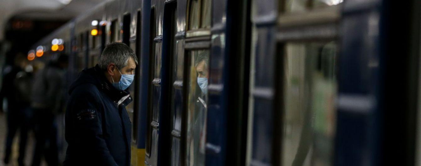У київському метро змінять усі двері: якими вони будуть показали на фото