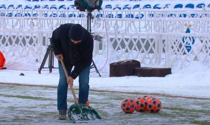 Луческу прибирає сніг