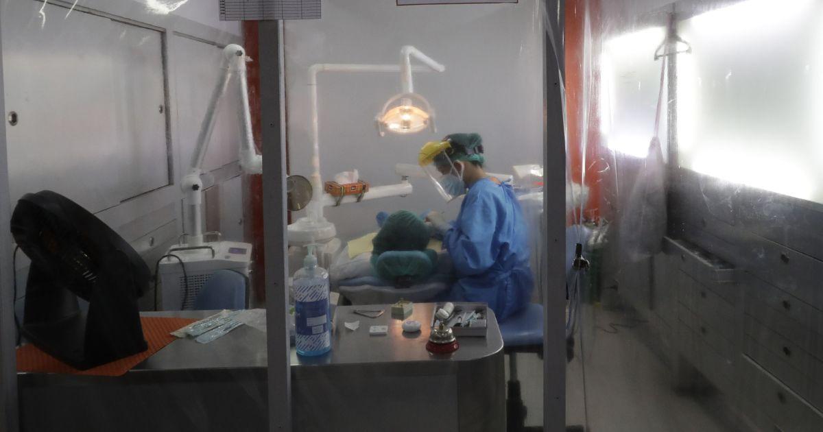 Побиття та знущання з дітей у Рівному: проти стоматологині відкрили п'ять кримінальних справ