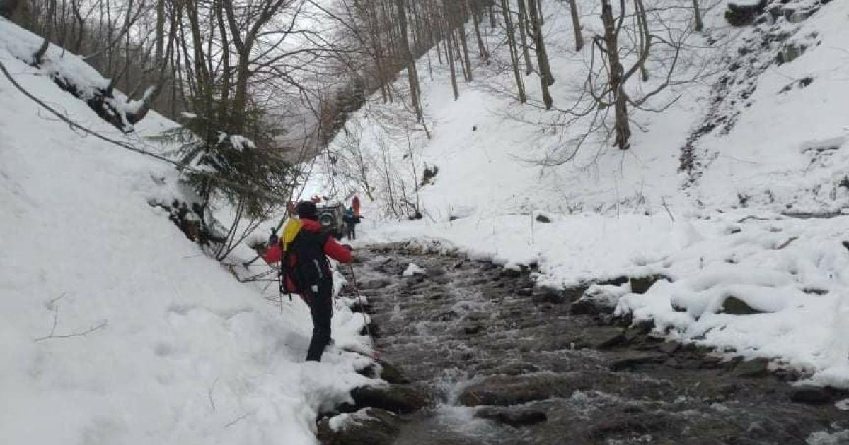 Как ищут в горах пропавшего туриста из Киева: появилось видео спасательной операции