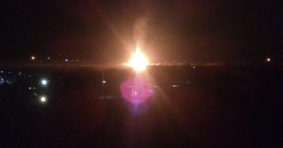 На околиці окупованого Луганська стався потужний вибух на газопроводі — росЗМІ