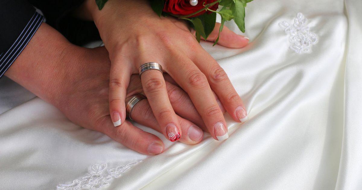 Стало известно, сколько пар поженились в Украине в День святого Валентина