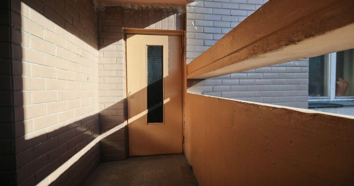Во Львове погиб 23-летний парень в результате падения с балкона девятого этажа