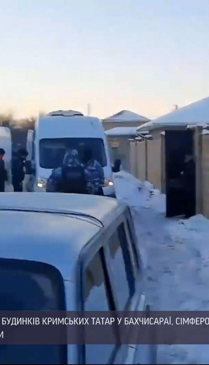 Новини України: у Криму ФСБ проводить незаконні обшуки в будинках кримських татар