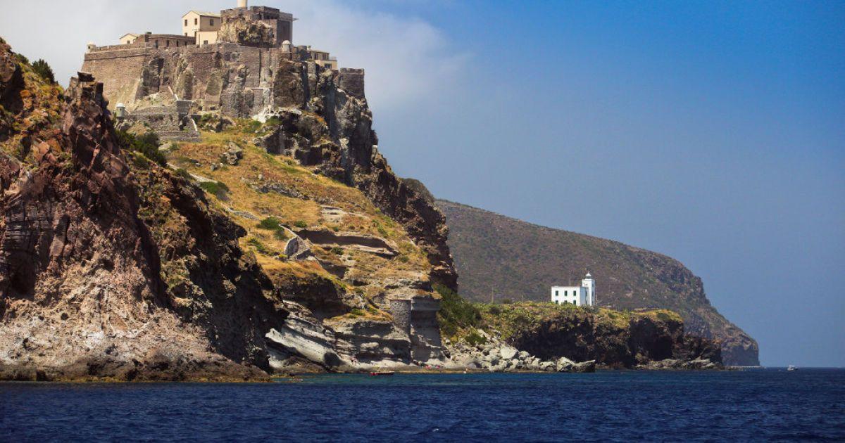 В Италии произошли десятки краж: все жители острова под подозрением