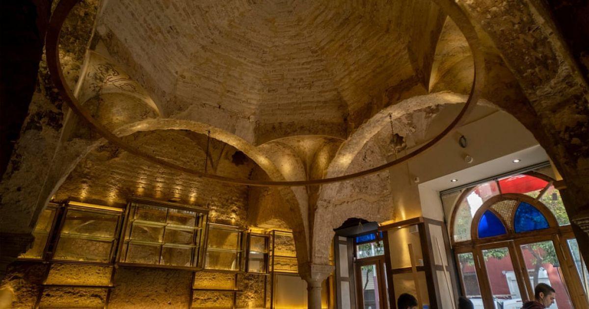 В Іспанії робітники під час ремонту бару виявили турецькі лазні XII століття