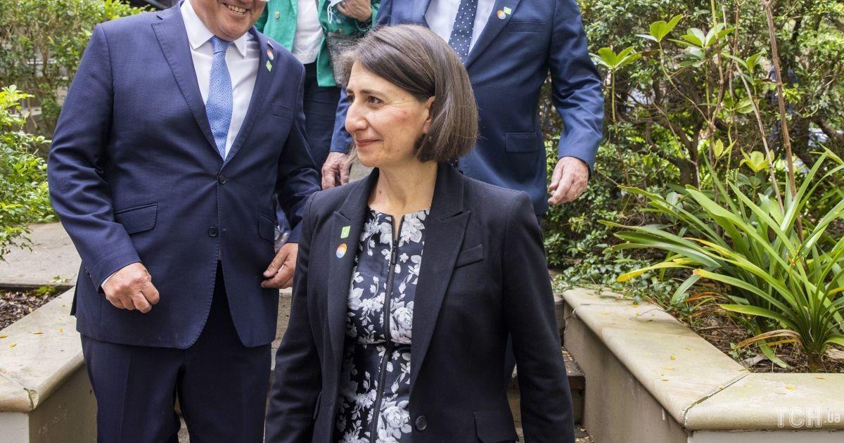 В платье с цветочным принтом: премьер-министр Нового Южного Уэльса сверкнула красивыми коленками