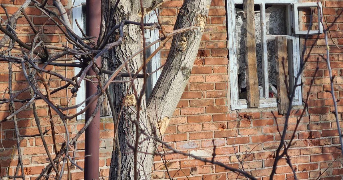 Боевики обстреляли дома мирных жителей в Новгородском