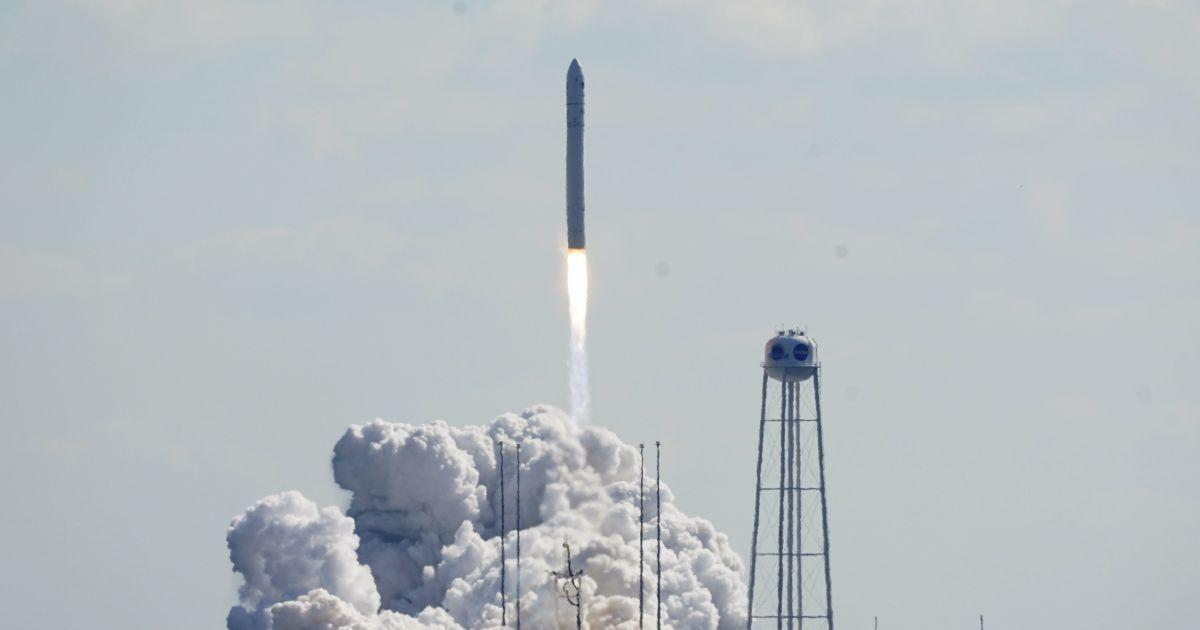 В США запустили в космос ракету, основную конструкцию первой ступени которой изготовили в Украине