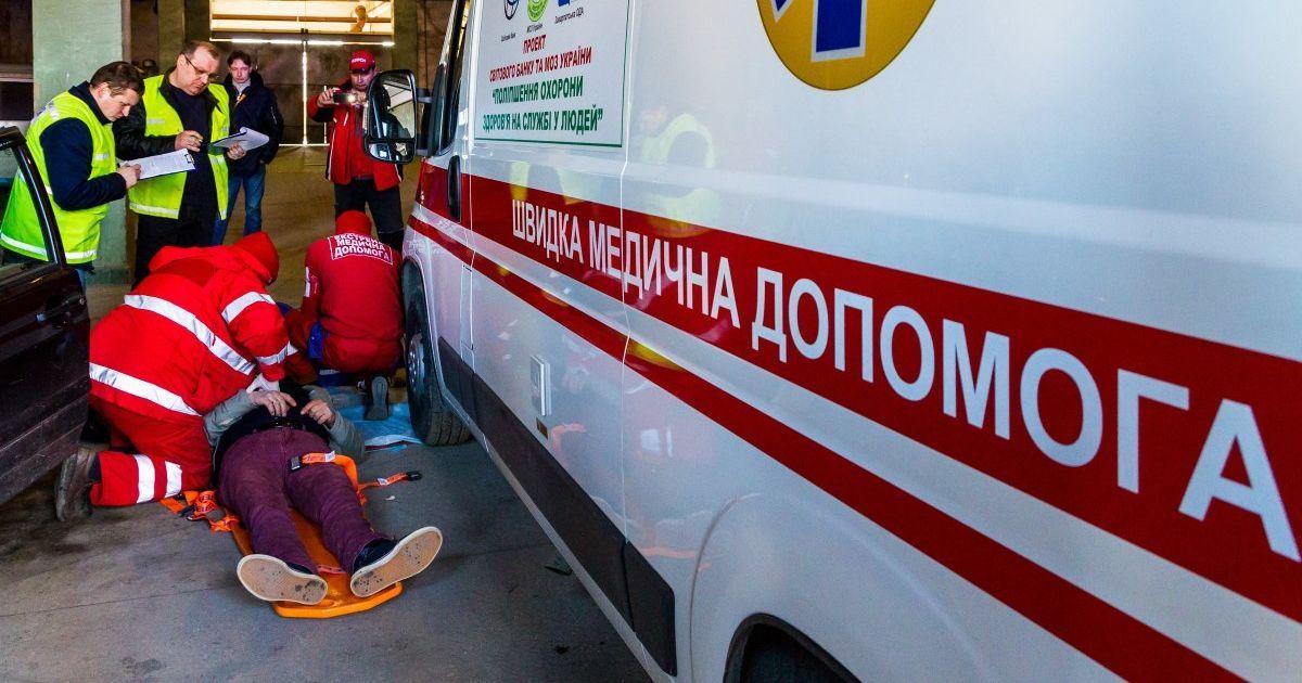 У Києві хлопцю на будівельному майданчику відірвало ногу