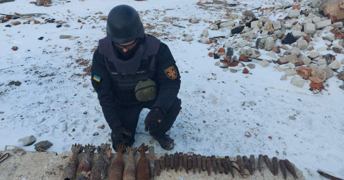 За неделю украинские саперы на Донбассе обезвредили почти 1,5 тысячи снарядов