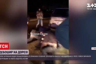 Новини України: у Рівному затримали п'яного водія, який порушив ПДД