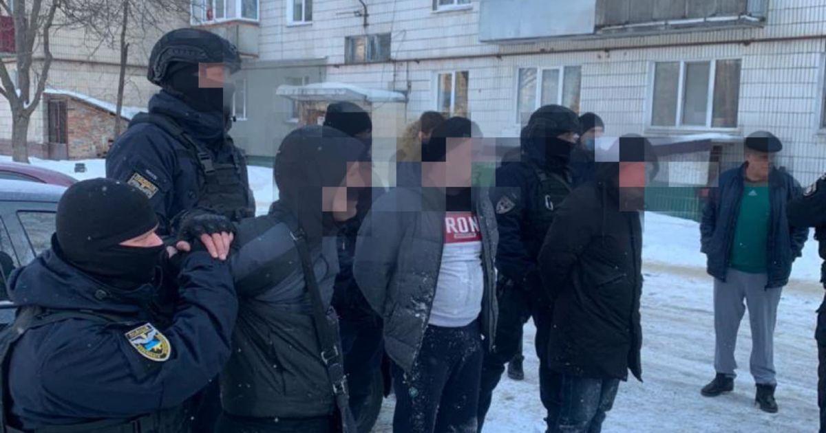 У Києві група шахраїв займалася аферами під виглядом продажу автомобілів із Європи
