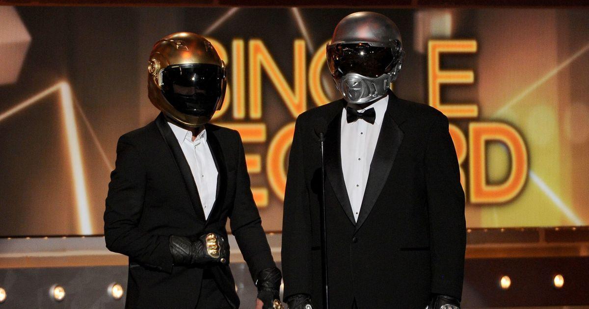 Легендарный дуэт Daft Punk объявил о распаде