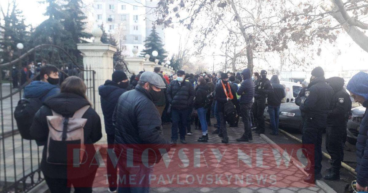 В Одесі оголосили вирок Стерненку: під судом зібралися активісти (фото, відео)