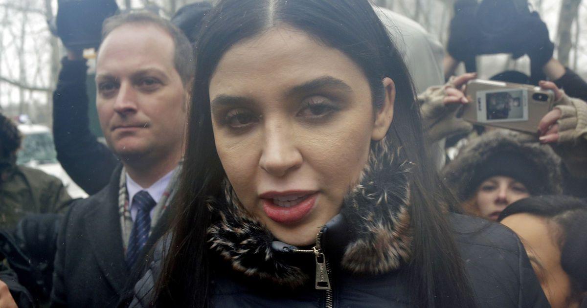 В США задержали жену известного мексиканского наркобарона Эль Чапо: в чем подозревают женщину