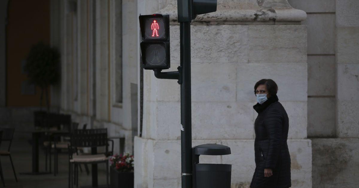 Закриваються школи, бари і ресторани: на Буковині через коронавірус посилюють карантин