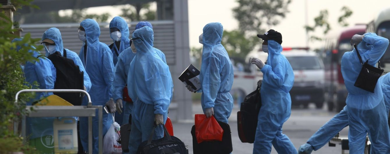 Вспышка Эбола в Гвинее: население страны начали вакцинировать от смертельной лихорадки