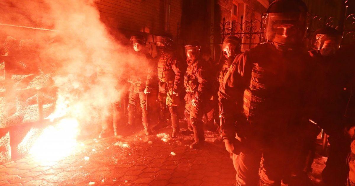 """""""Сьогодні - його, а завтра - нас"""": щонайменше у десятьох містах України пройшли акції на підтримку Стерненка"""