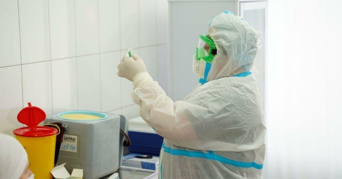 Вакцинация в Украине: в Минздраве сообщили, сколько людей уже получили прививки