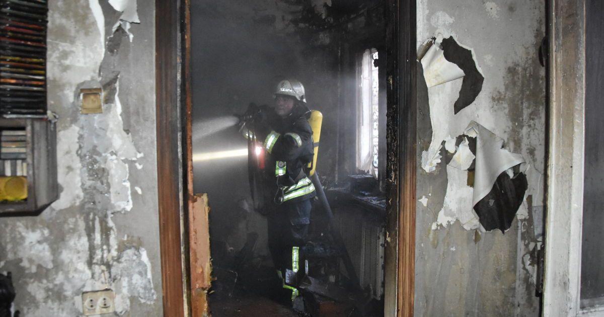 В Одессе произошел пожар в доме: спасатели нашли тела погибших (фото)