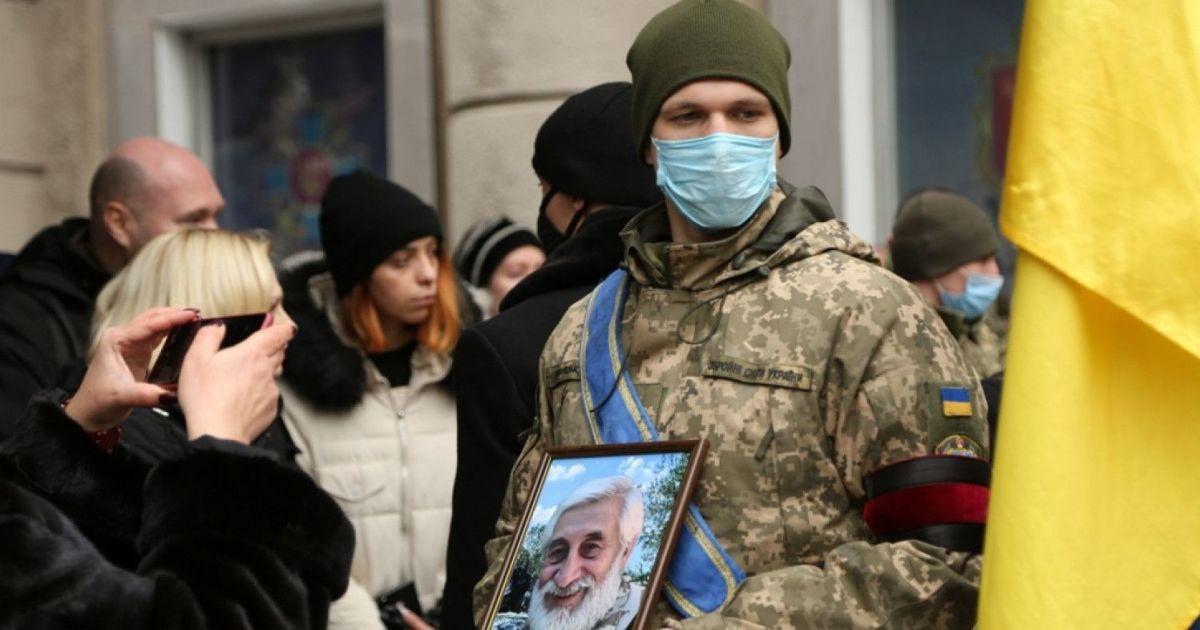 В Одесі попрощалися з відомим добровольцем і символом місцевого майдану: з'явилися фото
