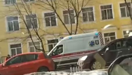 В Киеве мальчик выпрыгнул из окна школы