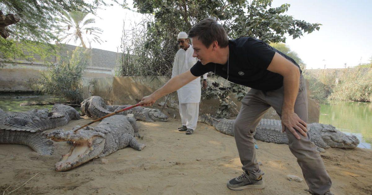"""Дмитрий Комаров побывает на опасной пакистанской """"Формуле 1"""" и зайдет в клетку с крокодилами"""
