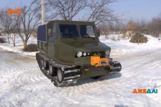 Народний майстер із Черкас створив машину, яка точно проїде за будь-якої погоди