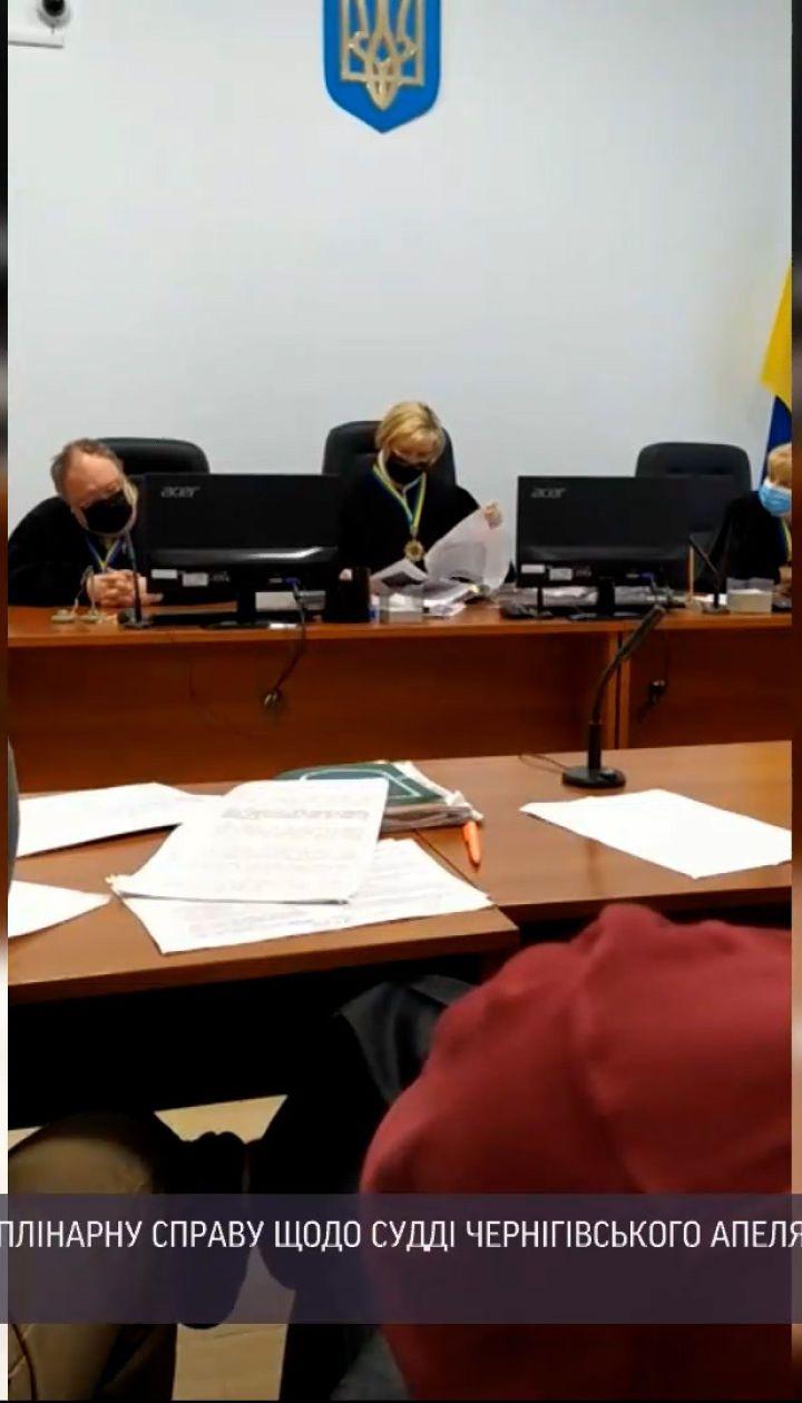 Новости Украины: судья Черниговского апелляционного суда заснул во время слушания