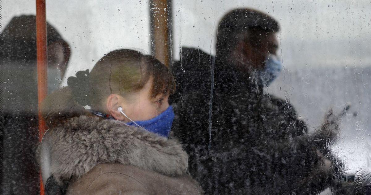 """Відсьогодні Івано-Франківська область живе за карантинними обмеженнями """"червоної зони"""": що змінилося"""