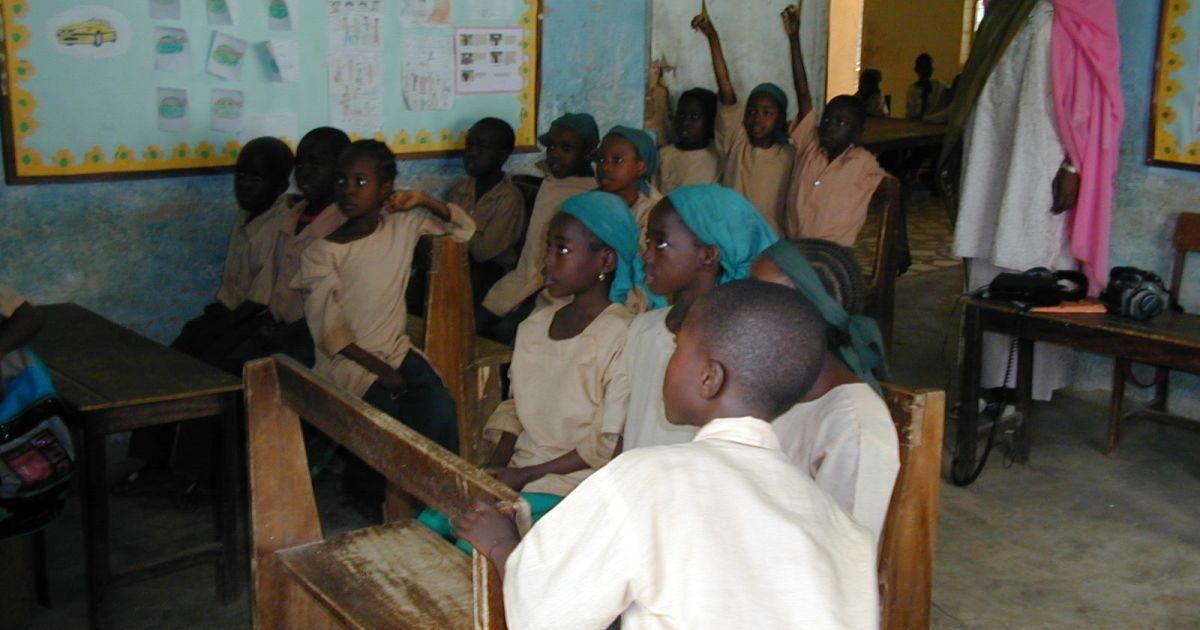 У Нігерії з полону бойовиків звільнили 42 дитини, які викрали зі школи-інтернату
