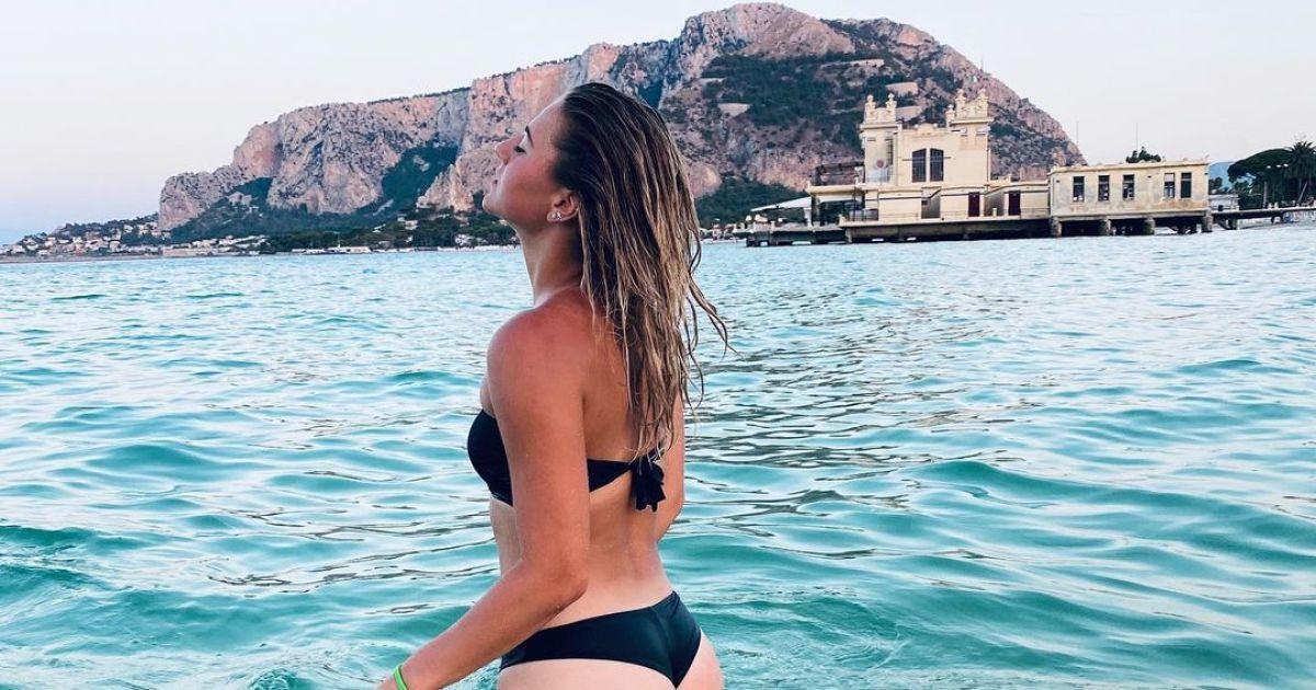 """""""Сексуальная леди"""": украинская теннисистка восхитила фанатов откровенным снимком в купальнике"""