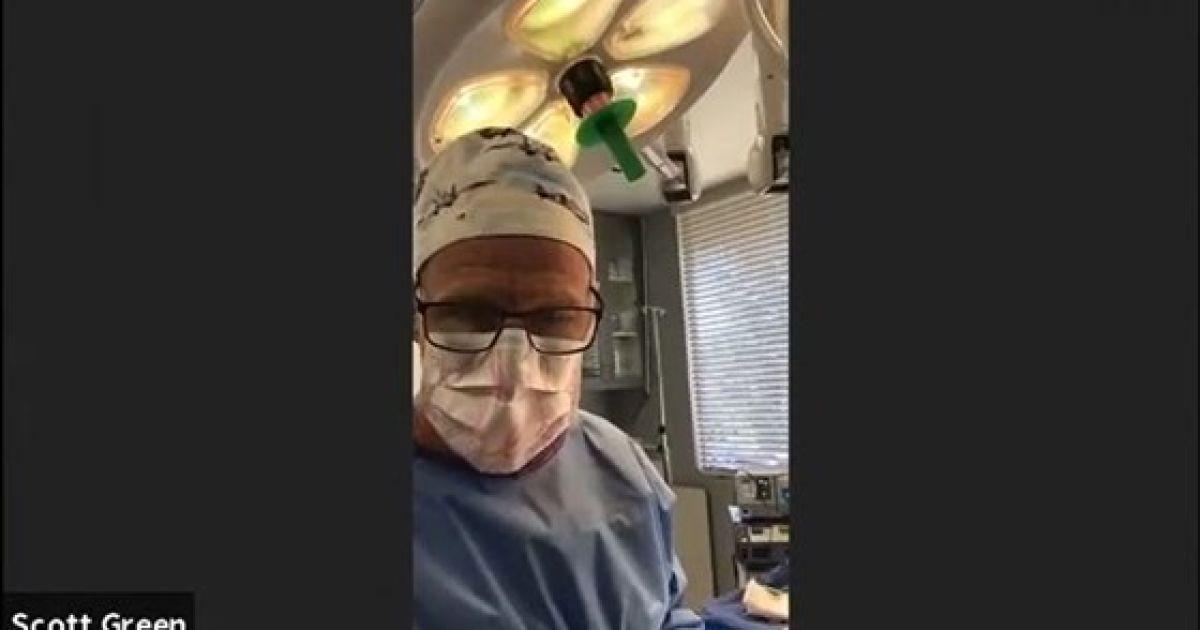 В США врач появился на судебном заседании в Zoom, когда оперировал пациента