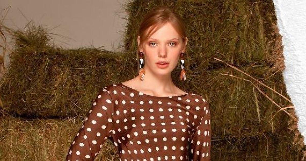 Гороховые платья и топы с рюшами: Андре Тан презентовал весеннюю коллекцию