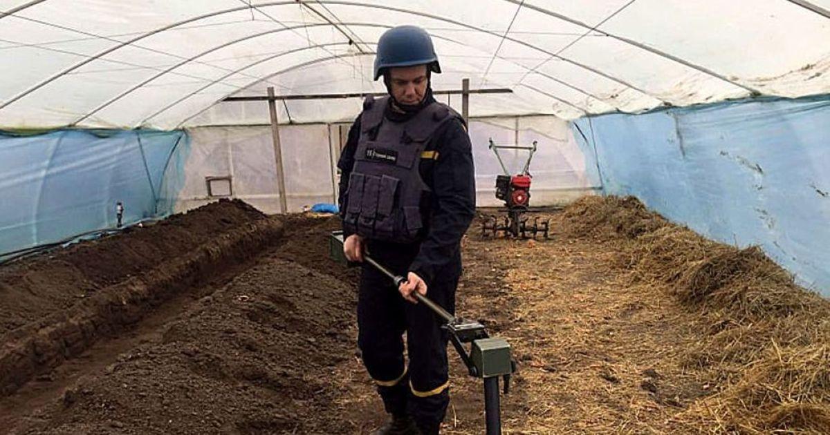 Отголоски Второй мировой: в Николаевской области мужчина нашел на своем огороде мины